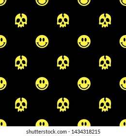 SKULL AND SMILE SEAMLESS PATTERN YELLOW BLACK BACKGROUND
