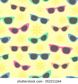 Sunglasses and sun, Seamless vacation background with classic sunglasses styles