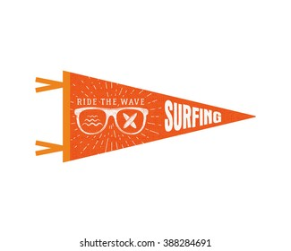 Surfing pennant. Summer Pennant flag design. Vintage surf emblem with glasses, longboard, sunburst. Ride the wave pennant. Summer symbols isolated. Retro surfboard icon, label design.