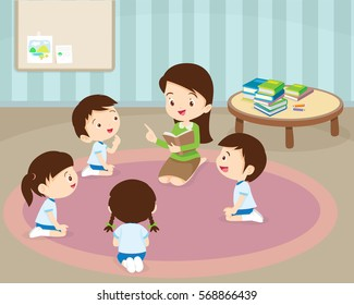 teacher and kids, Children enjoy listening to stories teacher reading books