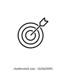 thin line target icon. outline advantage icon. successful shot in the darts target. isolated on white background. vector illustration