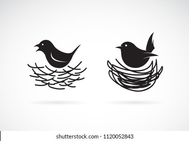 Vector of Bird and Nests on white background. Wild Animals. Easy editable layered vector illustration.