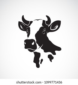 Vector of cow head design on white background, Farm animal, Vector illustration. Easy editable layered vector illustration.