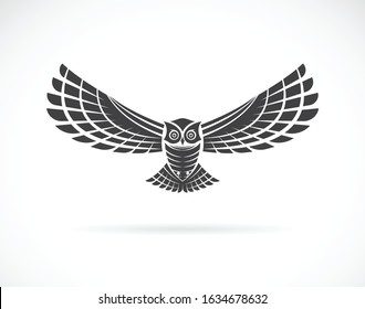 Vector of an owl design on a white background,. Wild Animals. Bird logo or icon. Easy editable layered vector illustration.