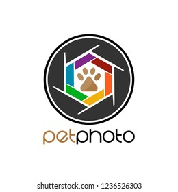 Vector Pet Photo logo design template. Paw and shutter camera that made from a simple scratch. It's good for symbolize, icon or logo a pet. Logo pet studio photo, photographer, gallery photo.