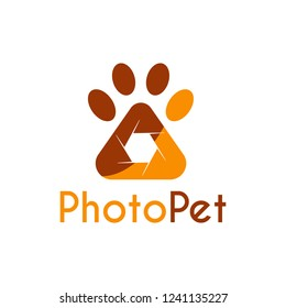 Vector Pet Photography logo design template. Its good design combination Shutter Camera and Paw Pet Animal for Logo, Icon, Symbols, App icon, emblem, label or brand identity. Pet Paw Photography.