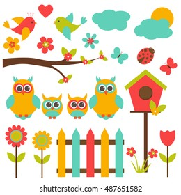Vector set on the theme of family. A family of owls, parents and chicks, nature, plants, birds, insects.