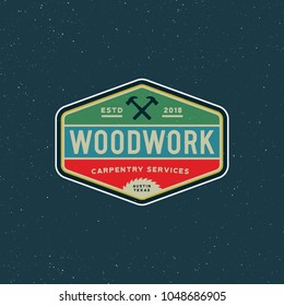 vintage carpentry logo. retro styled wood works emblem, badge, design element, logotype template. vector illustration
