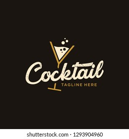vintage Cocktail logo design vector. alcohol drink icon. retro cocktail glass vector design template