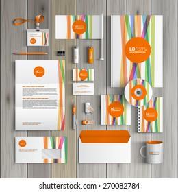 Weiße Corporate Identity Template Design mit Farblinien und orangefarbener Form. Bürobedarf