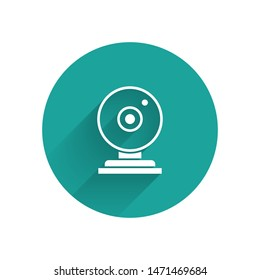 White Web camera icon isolated with long shadow. Chat camera. Webcam icon. Green circle button. Vector Illustration