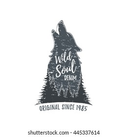 Wolf howling. Grunge logo template. Vector illustration.