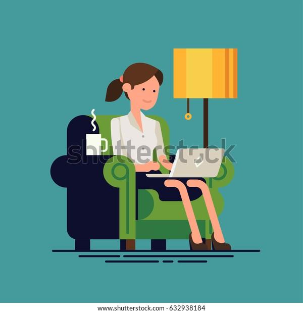 Mujer adulta joven trabajando en la ilustración conceptual del vector doméstico. Carácter femenino independiente trabajando desde casa con un ordenador portátil sentado en un acogedor sillón con una taza de té o café. Hogar. Trabajo remoto