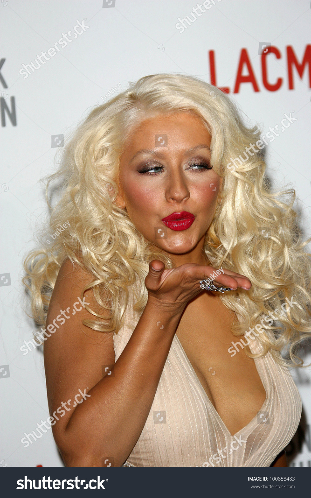 Forum on this topic: Caroline McKenzie, 25-christina-aguilera/