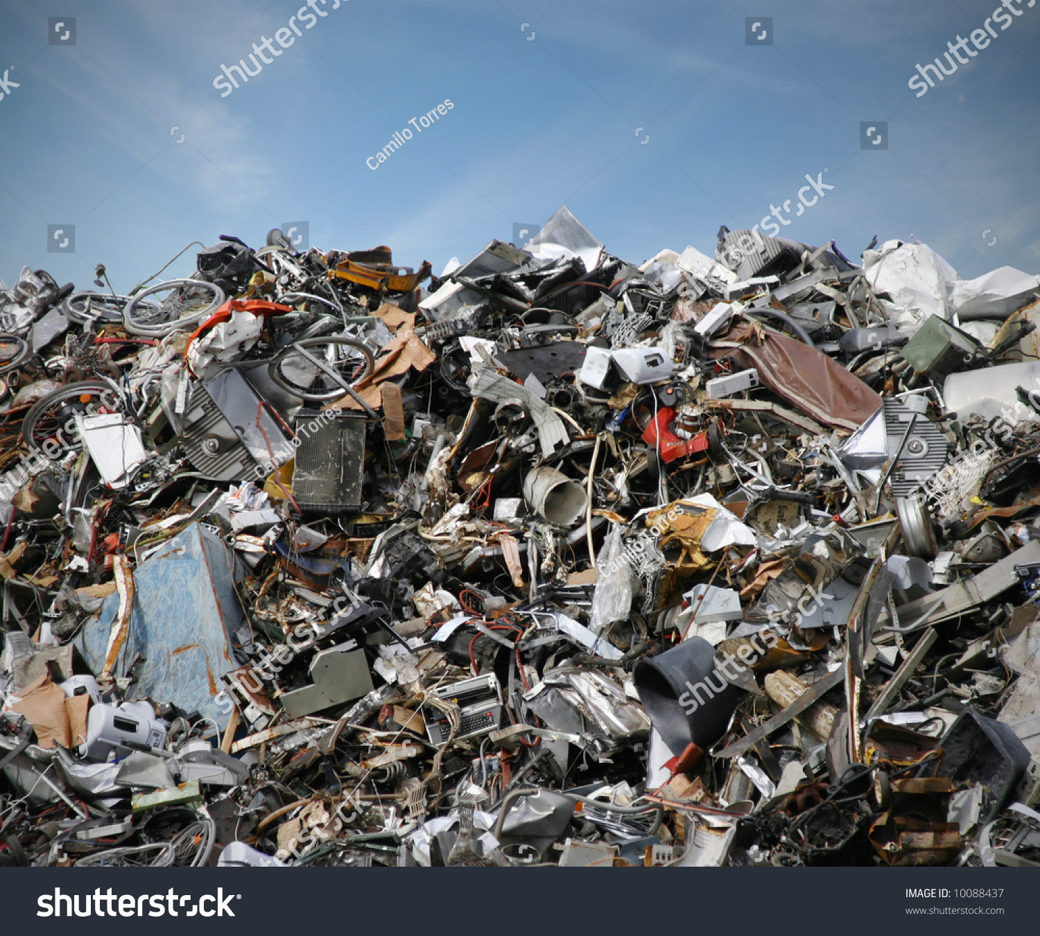 Junk Yard Old Plastic Scrap Metal Stock Photo 10088437 - Shutterstock