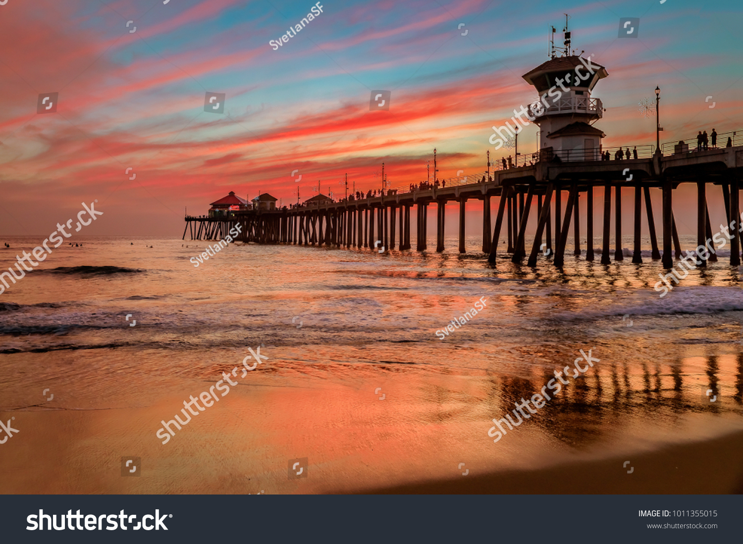 Incredible Colors Sunset By Huntington Beach Stock Photo Edit Now 1011355015