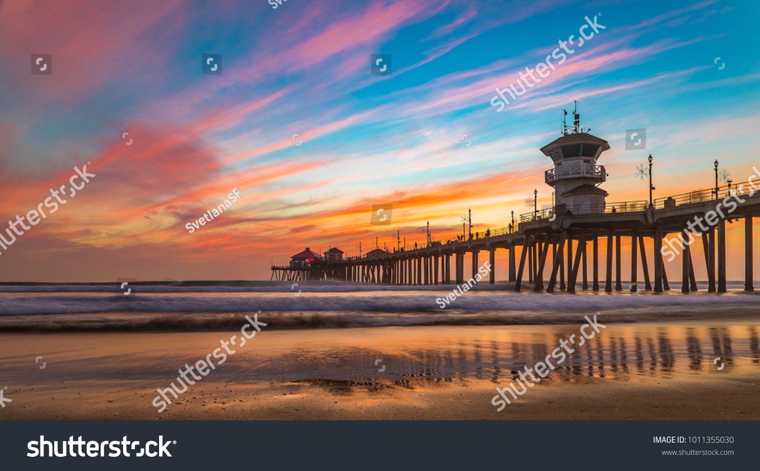 Incredible Colors Sunset By Huntington Beach Stock Photo Edit Now 1011355030