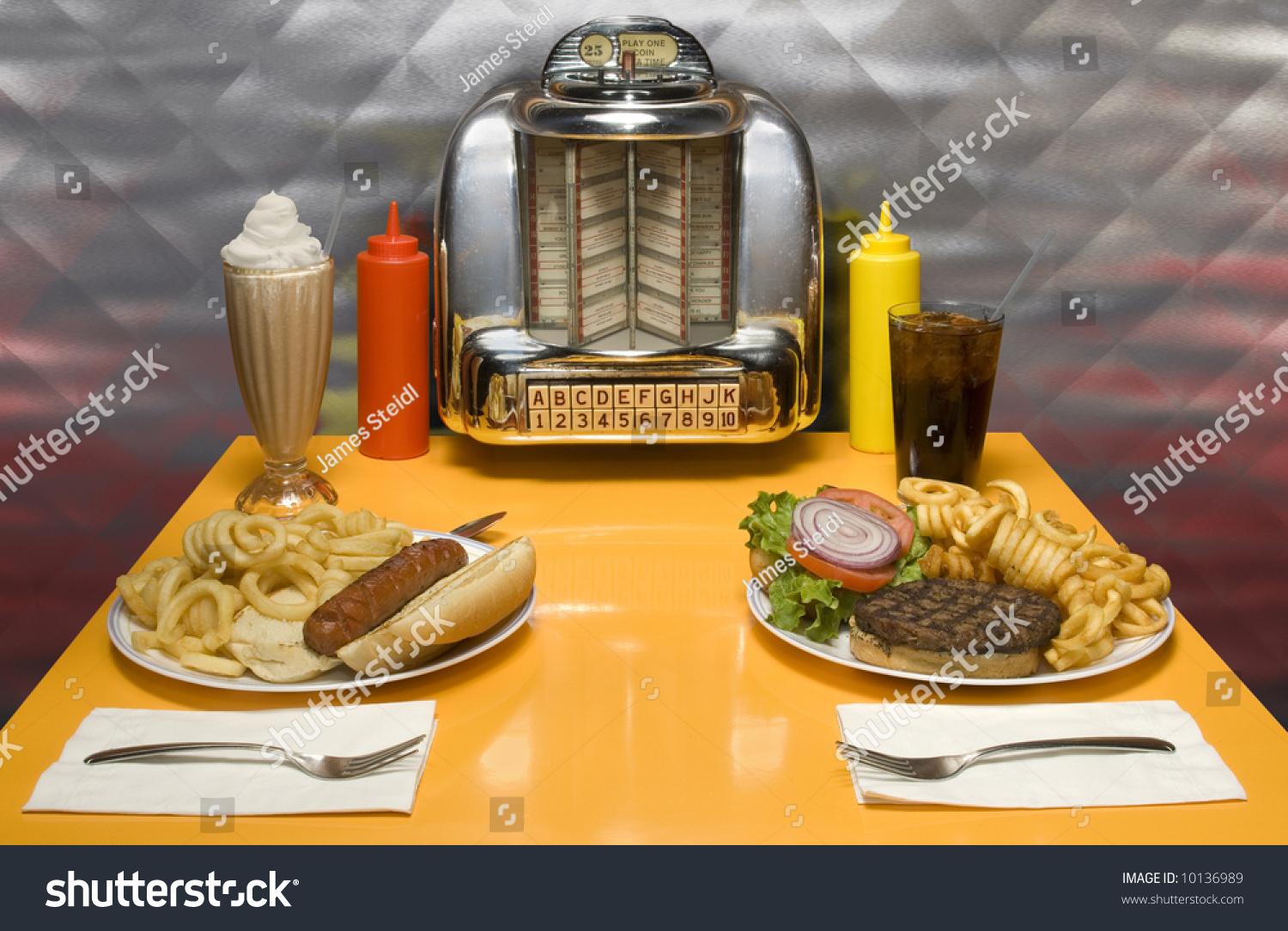 1950s style diner table juke box stock photo 10136989 shutterstock. Black Bedroom Furniture Sets. Home Design Ideas