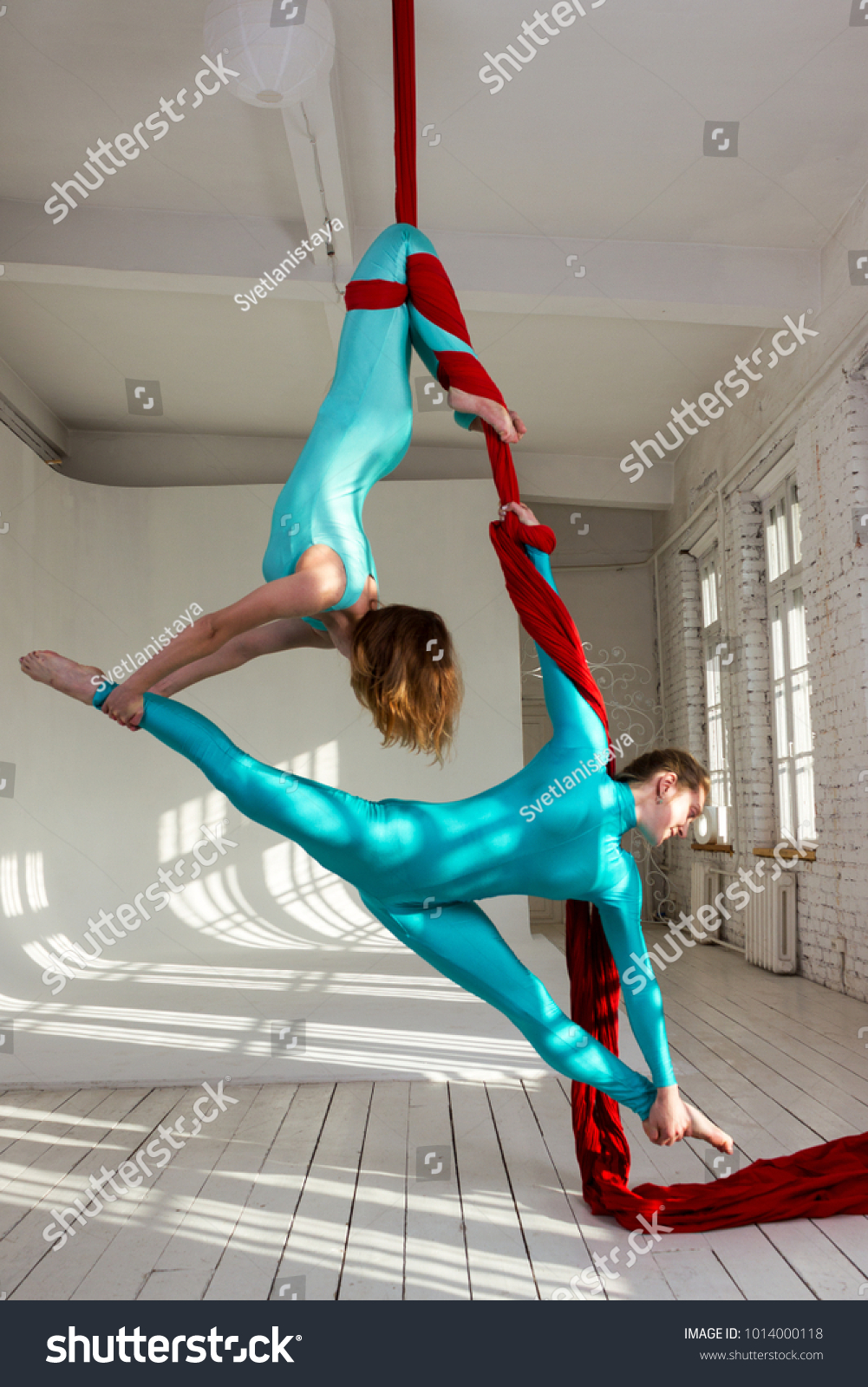 Acrobatic girls picture 49