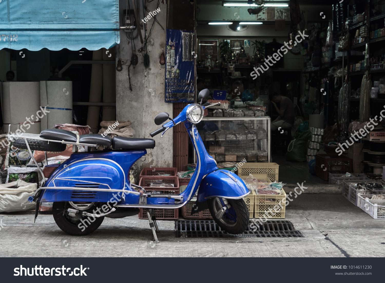 Bangkokthailandjanuary 23 2018 Blue Classic Vespa Editar Agora Foto Stock 1014611230