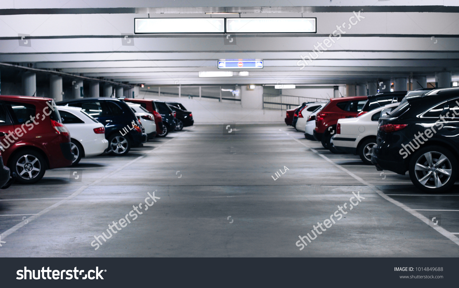 parking cars without people #1014849688