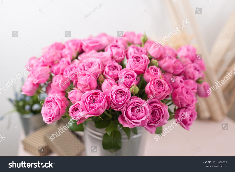Rose misty bubbles bouquet flowers of pink roses in metal vase bouquet flowers of pink roses in metal vase shabby chic home decor florist at a flower shop ez canvas izmirmasajfo