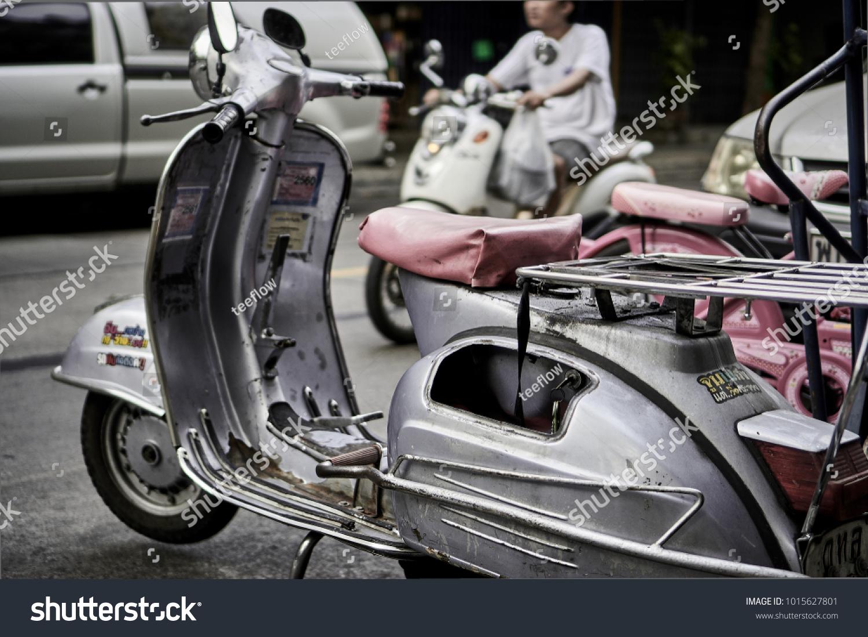 Bangkokthailandjanuary 23 2018 Silver Classic Vespa Stock Photo Edit Now 1015627801