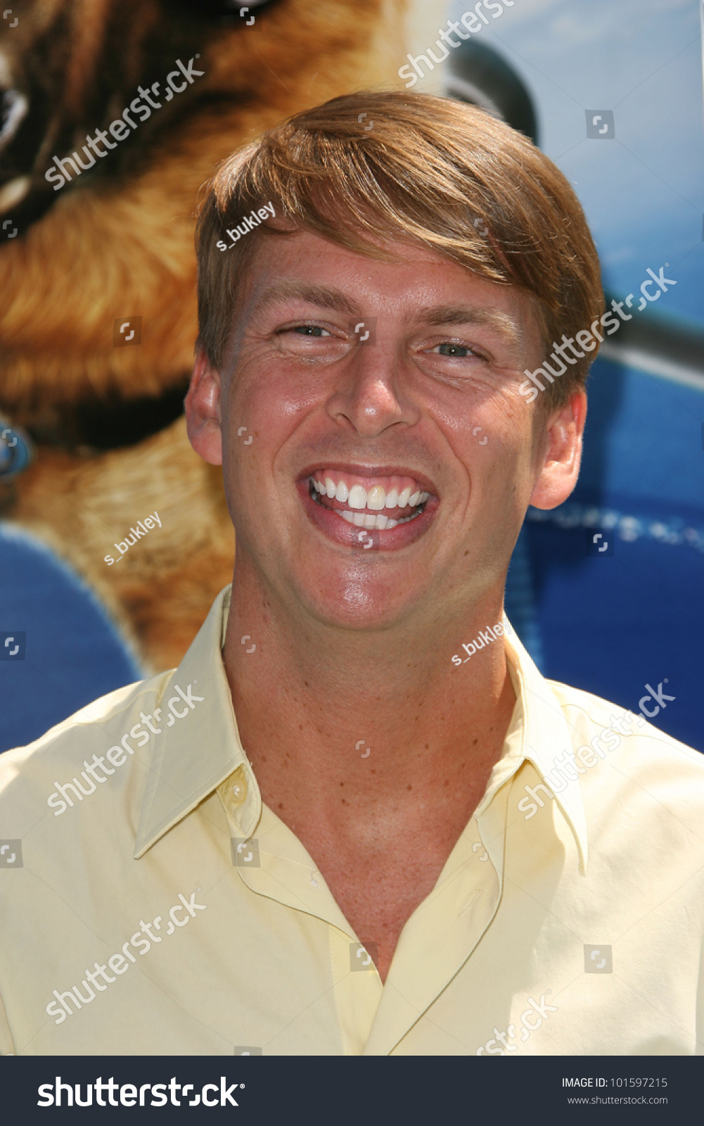 Jack mcbrayer at the cats and dogs the revenge of kitty for Jackson galaxy cat toys australia