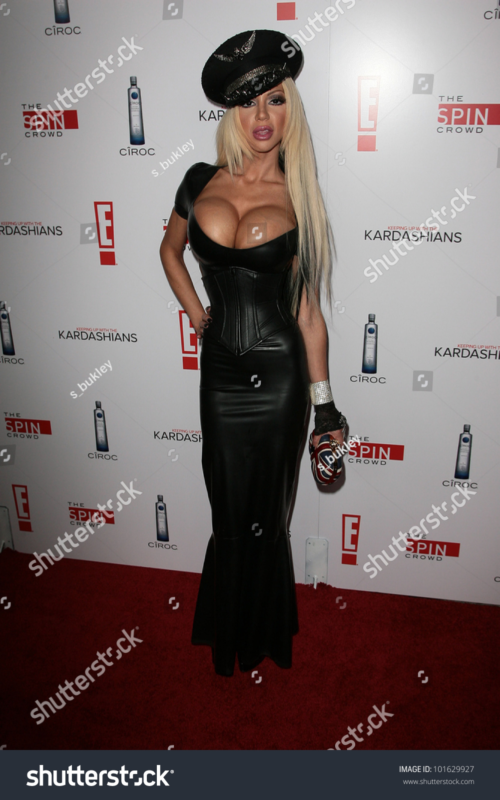 Tías de 25 a 34 años - Página 2 Stock-photo-josie-stevens-at-the-keeping-up-with-the-kardashians-the-spin-crowd-series-party-trousdale-101629927