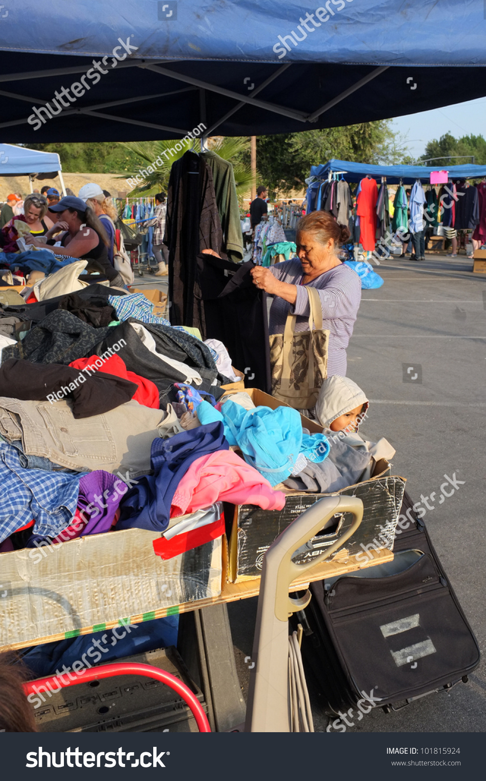 Bakersfield Ca May 4 Many People Turn Out To Eye