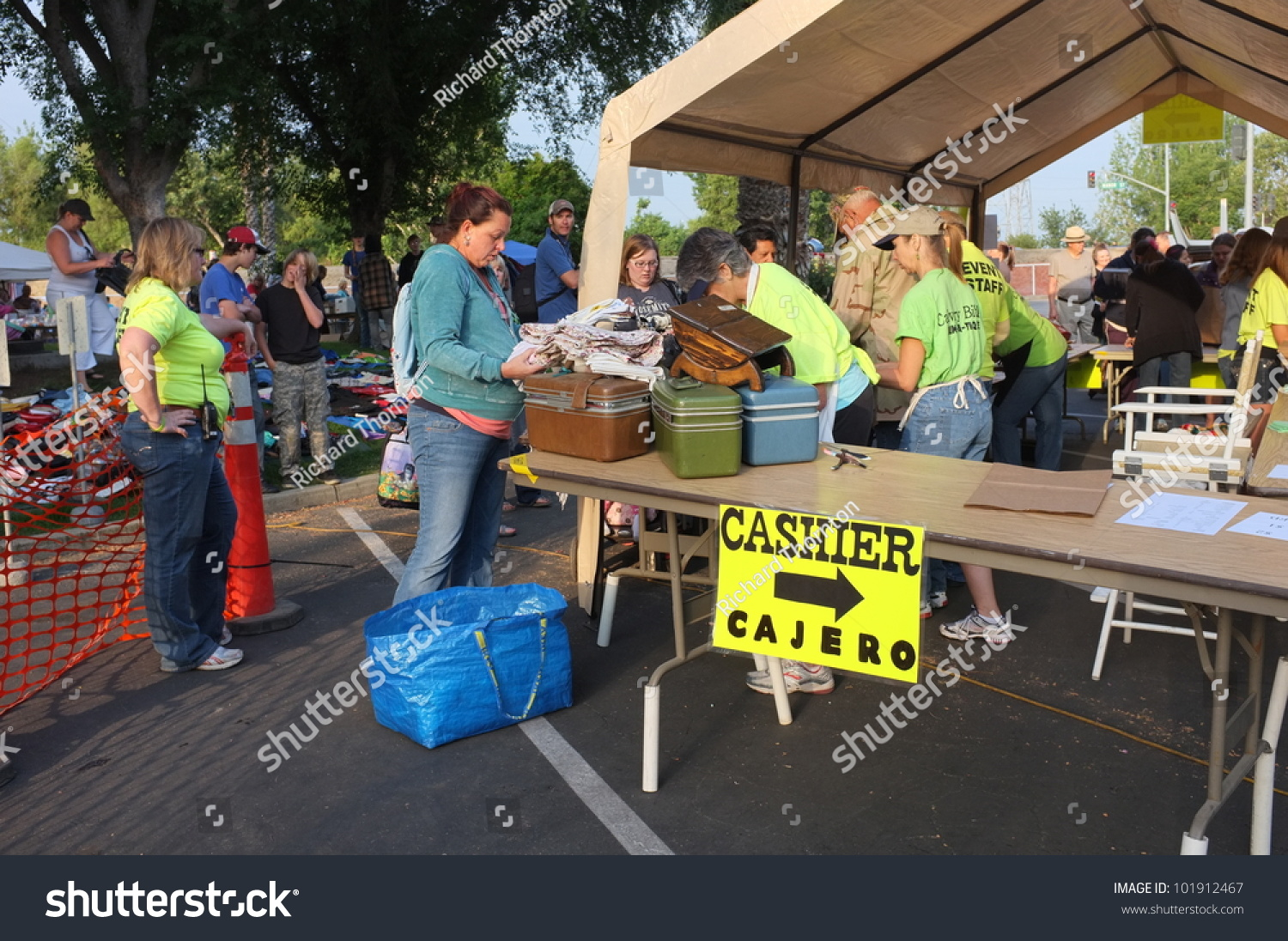 Bakersfield Ca May 4 People Line Up To Pay For Their