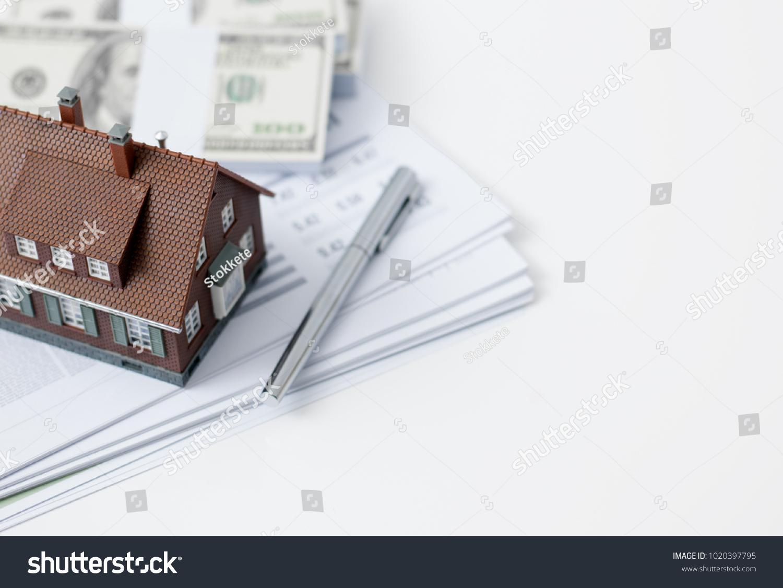 Model house calculator cash money paperwork stock photo (edit now.