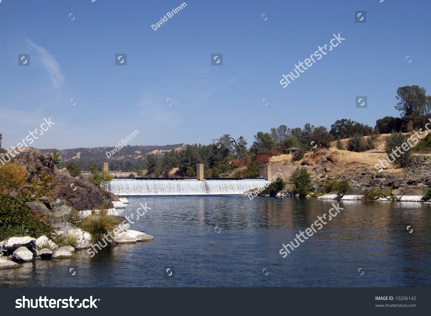 A diversion dam redirects salmon thru the hatchery for Feather river salmon fishing