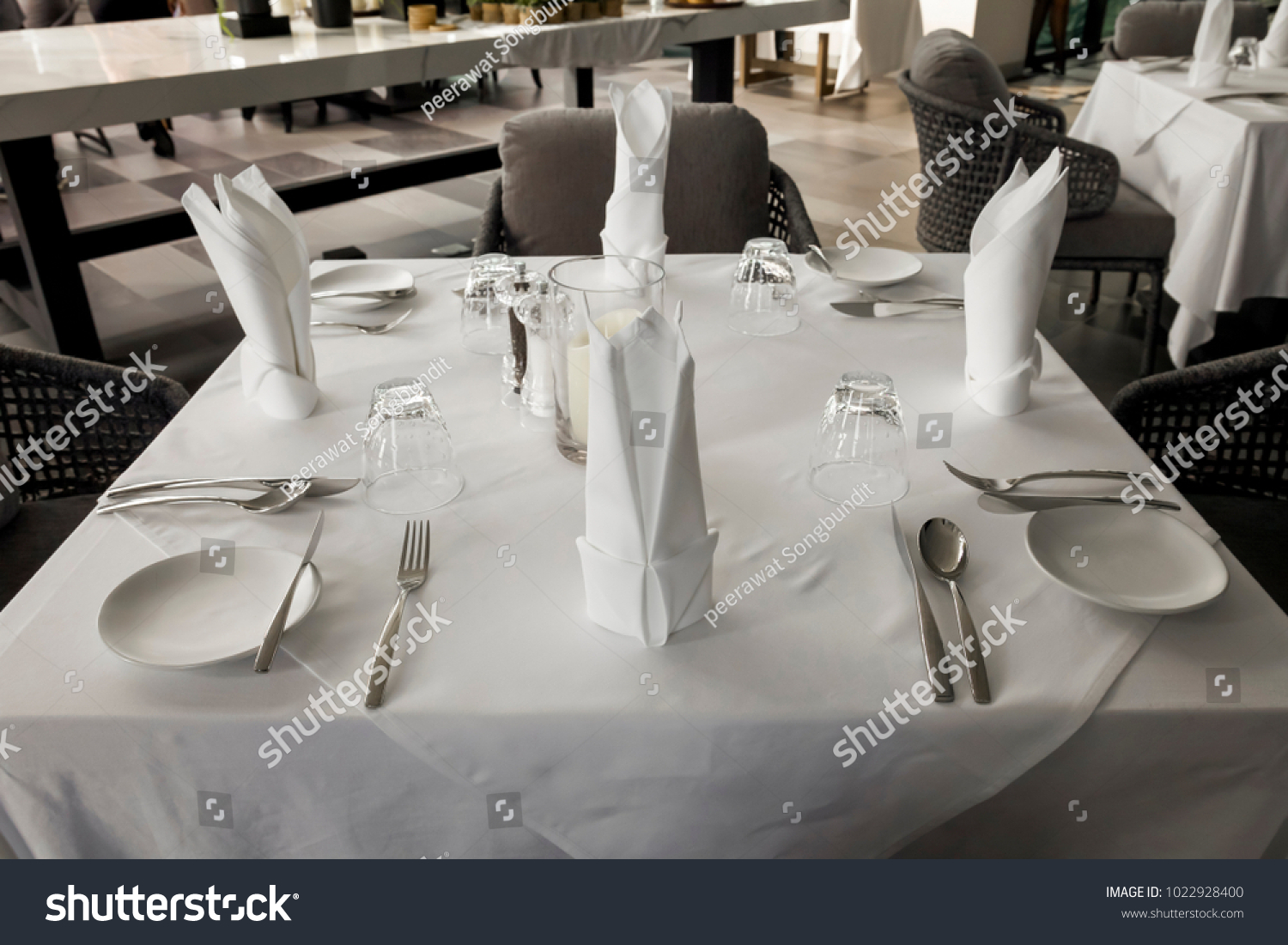 Table setting complete for dinner restaurant & Table Setting Complete Dinner Restaurant Stock Photo (Safe to Use ...