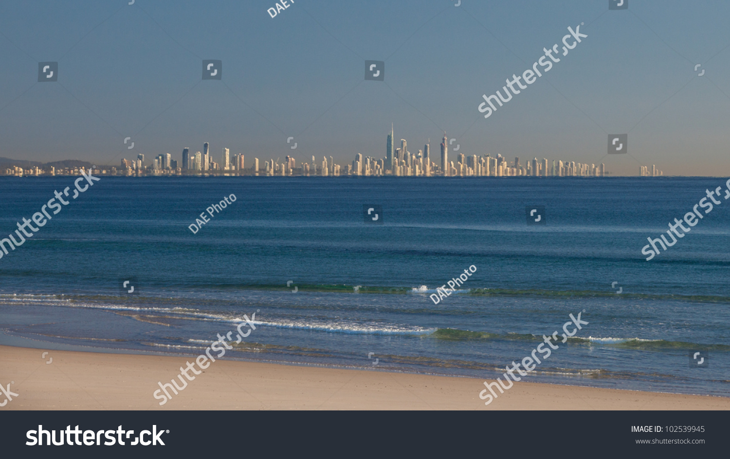 how to get from coolangatta airport to surfers paradise