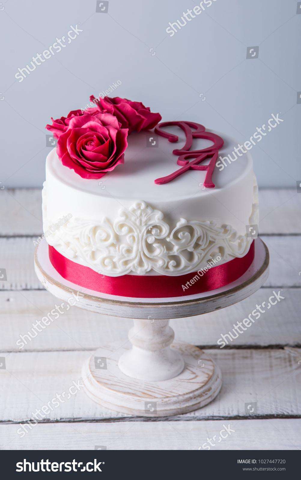 Delicious White Wedding Cake Decorated Flowers Ez Canvas