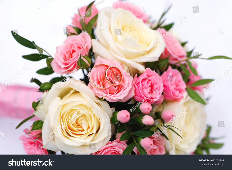 Wedding bouquet of flowers roses on white snow   EZ Canvas