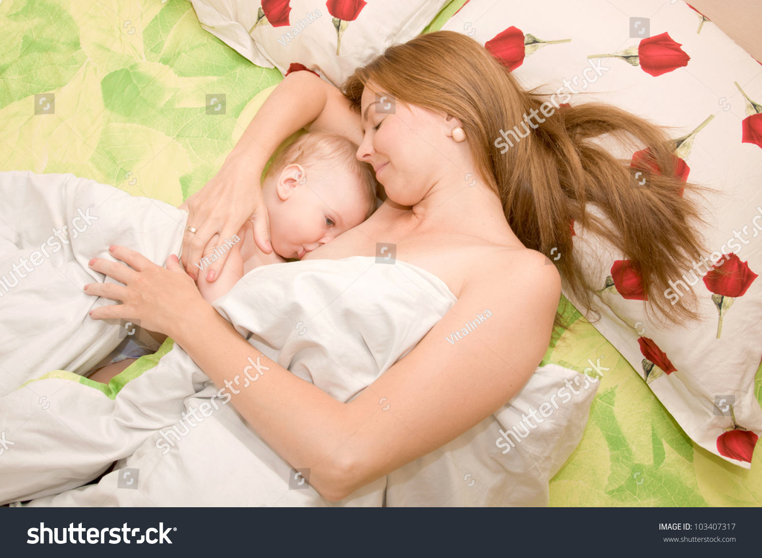 mother baby relationship breastfeeding sore
