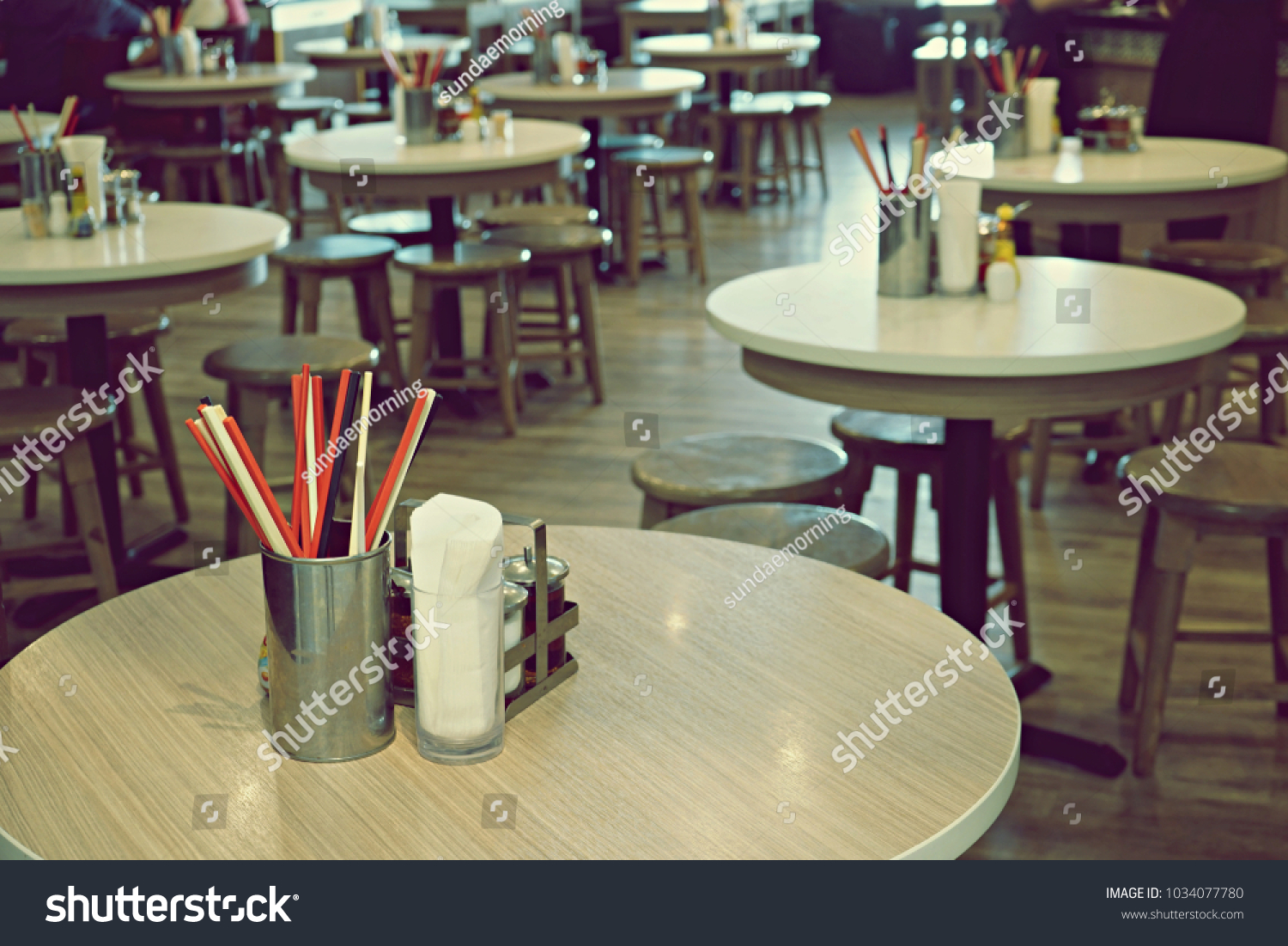 Modern Chinese Noodle Restaurant Table Layout With No People