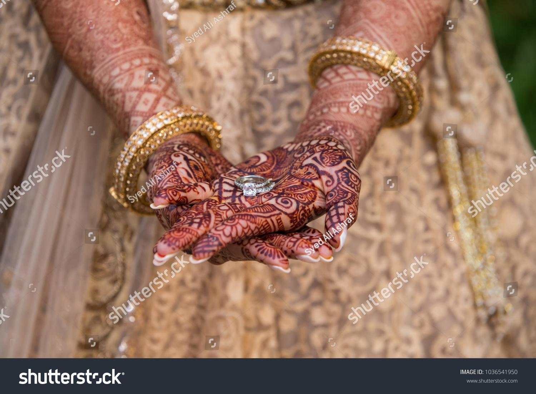 Mehndi Hands Powerpoint : Pakistani wedding bridal woman hands jewelry stock photo royalty