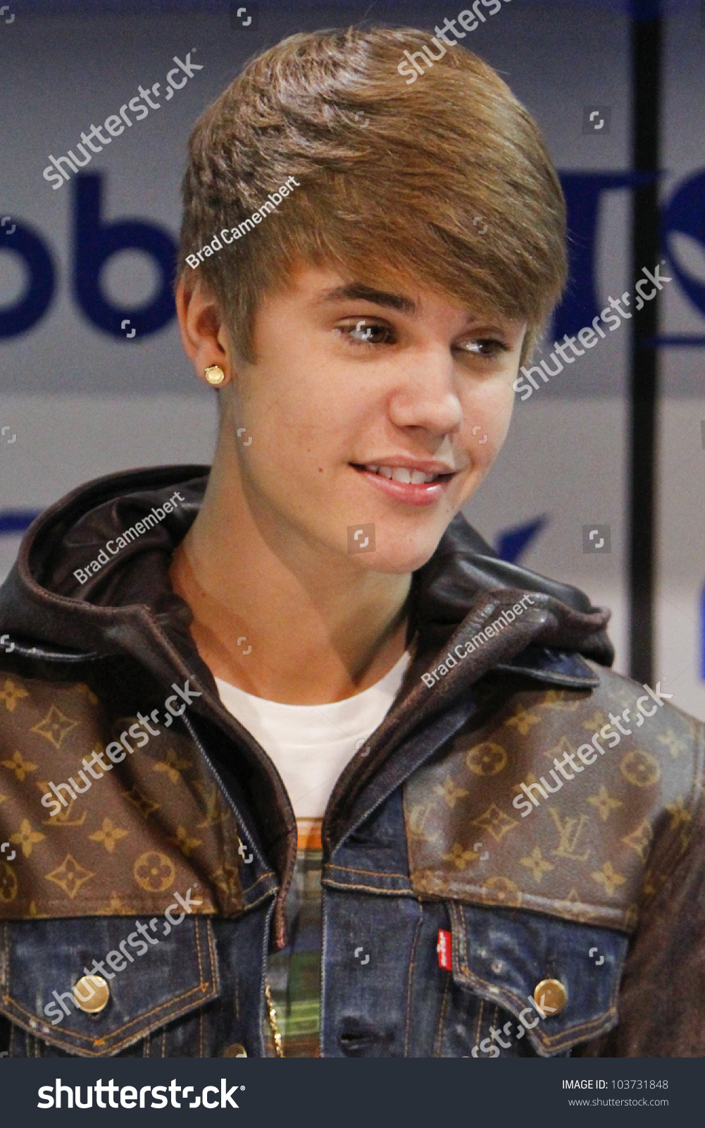 Justin Bieber Premiere Sneak Peek - YouTube