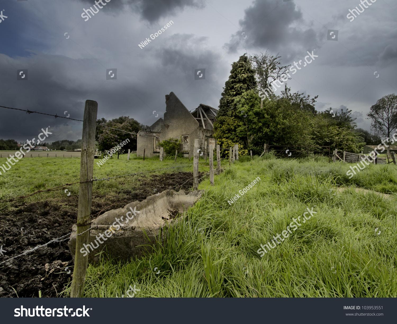 Old farmhouse near terneuzen in the netherlands stock for Farm house netherlands