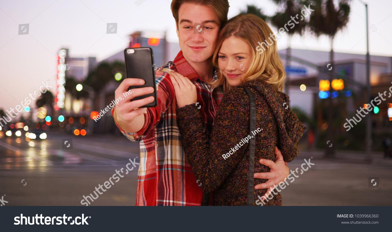 Millennials datieren weniger Cougars Dating-Website kommerziell