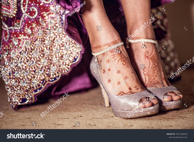 Pakistani Indian Bridal Mehndi Design Feet Stock Photo 1041458593 ...