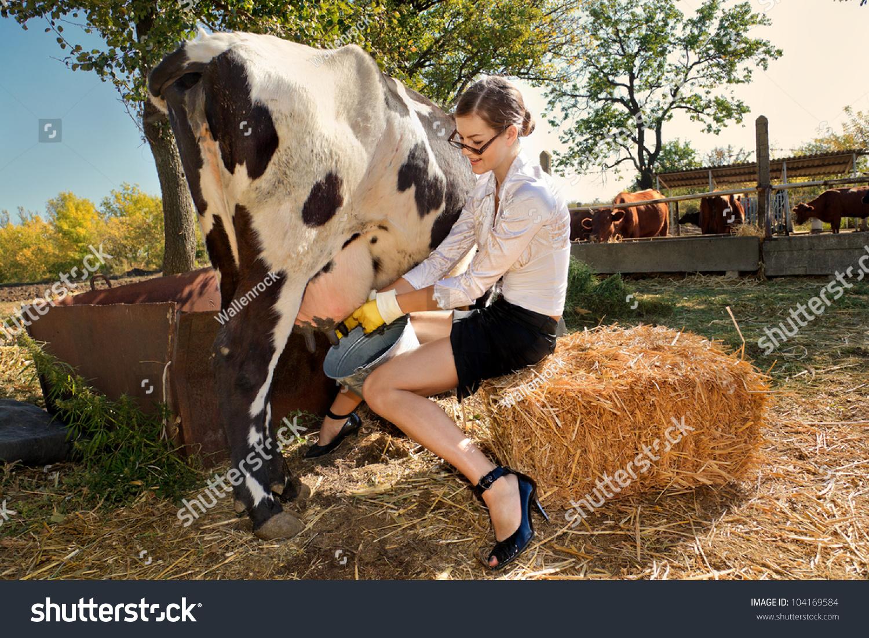 Woman Tit Milked On Barn 72