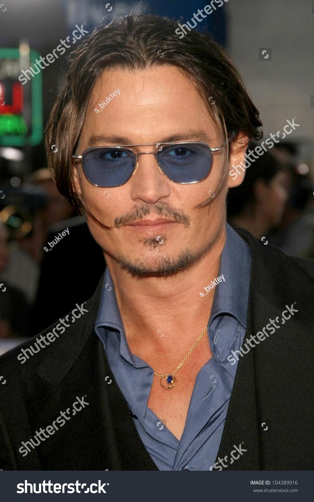 Fabulous Johnny Depp At The Los Angeles Premiere Of 39Public Enemies39 Mann Short Hairstyles For Black Women Fulllsitofus