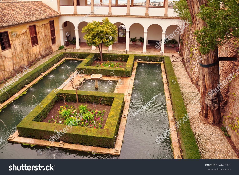Granada Spain 02262016 Gardens Generalife Alhambra Stock Photo (Edit ...