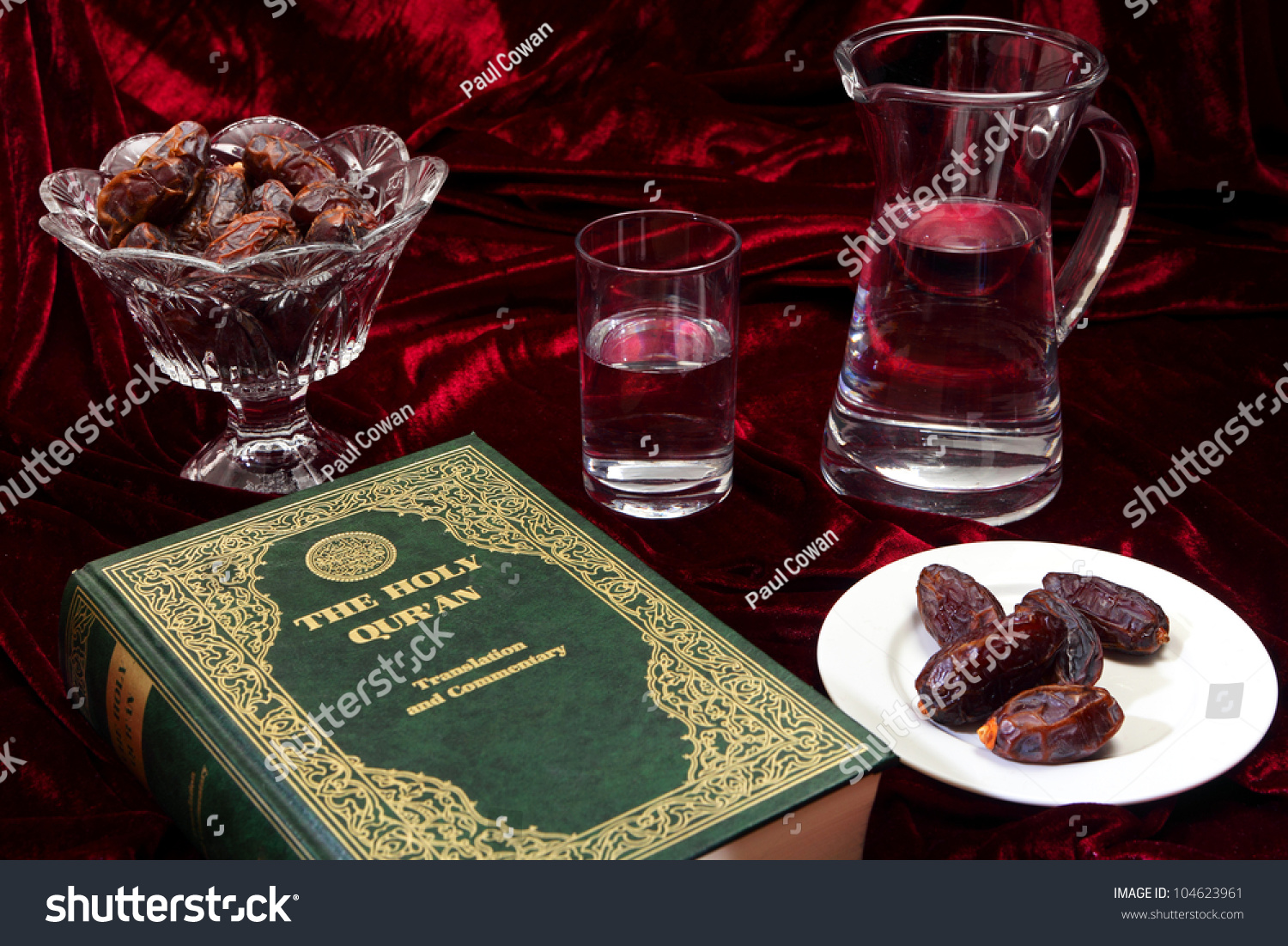 dates and water traditional foods for breaking the fast