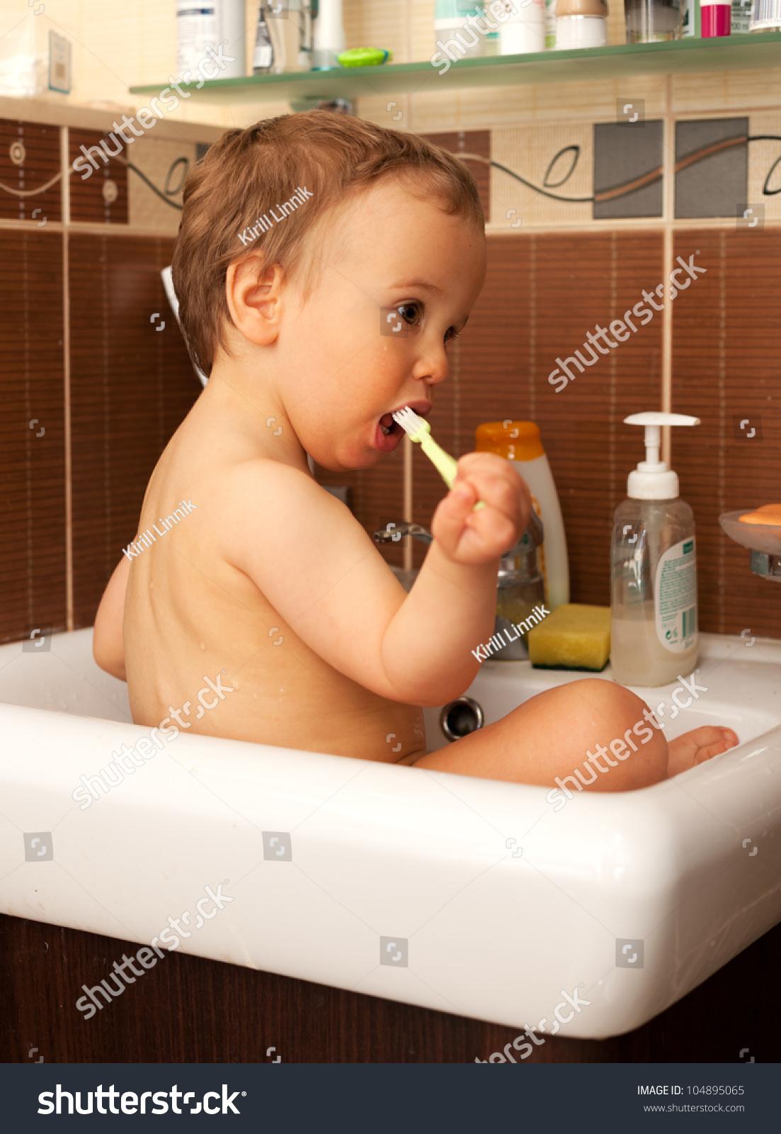 Fine How To Paint A Bathtub Thick Painting A Bathtub Shaped Paint For Bathtub Paint Tub Youthful Bathtub Repair Contractor Yellow Bathtub Refinishing Company