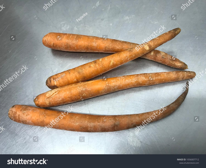 Old Rotten Carrots Zanahorias Viejas Podridas Stock Photo Edit Now 1056007712 Los pasos son sencillos, debemos coger. https www shutterstock com image photo old rotten carrots zanahorias viejas podridas 1056007712